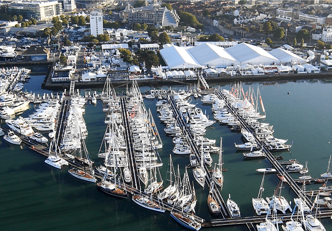 Aerial-shot-of-the-Southampton-Boat-Show